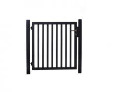 Tuinhek poortje met 8 verticale staven