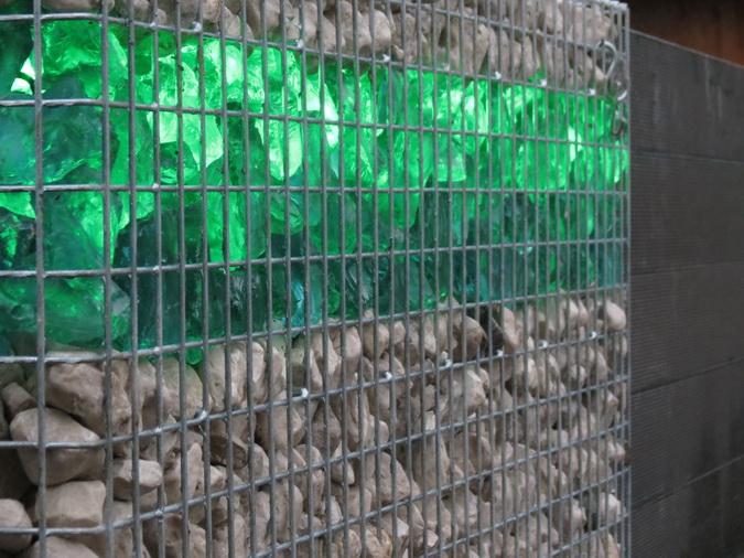 Schanskorven gevuld met Glasbrokken